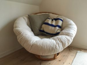 Love nest chair